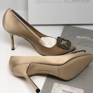 Manolo Blahnik hangisi 105mm pump